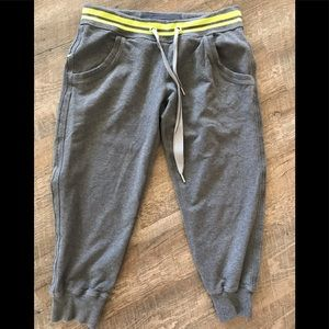 Lululemon Cropped Jogging sweat pants